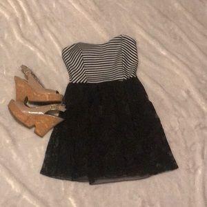🆕 Lac Bleu black and white striped dress